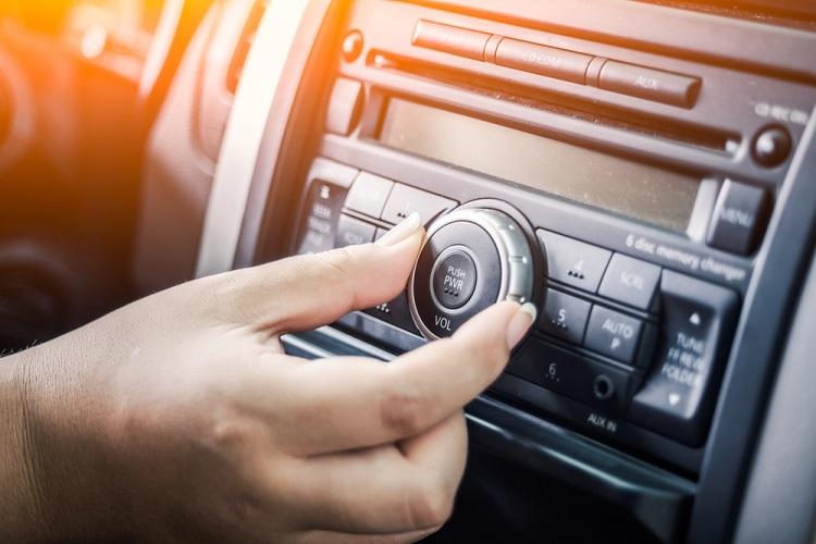 Motorist Car Radio Traffic Updates