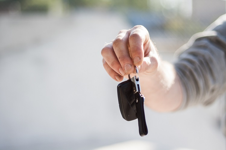Motorist 6 Mistakes Buying First Car