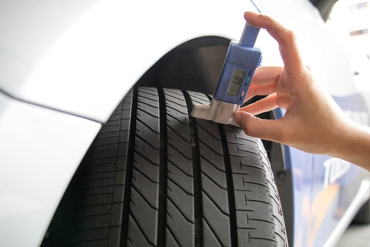 Motorist Bridgestone Tyre Singapore Tread Depth Gauge