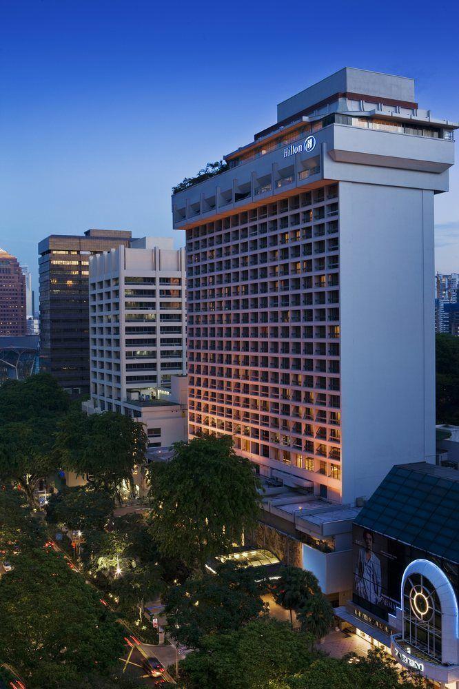 Parking Hilton Hotel
