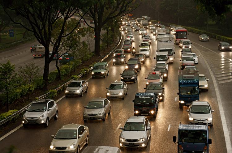 Traffic Congestion Near The National University Hospital Singapore 20110405