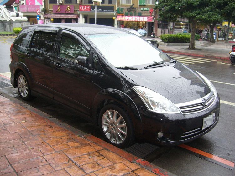 Toyota Wish 10 Taiwan 03