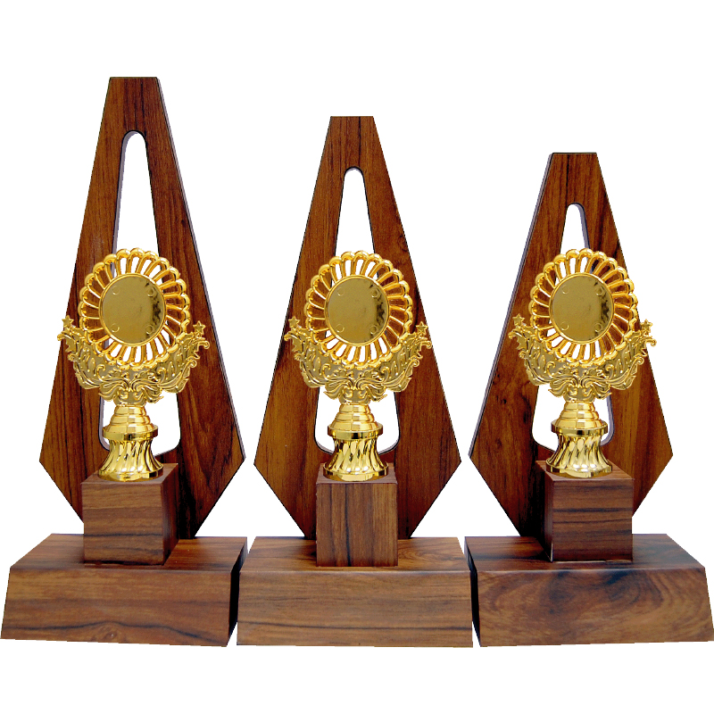WOODEN PATTERN TROPHY -AT30775