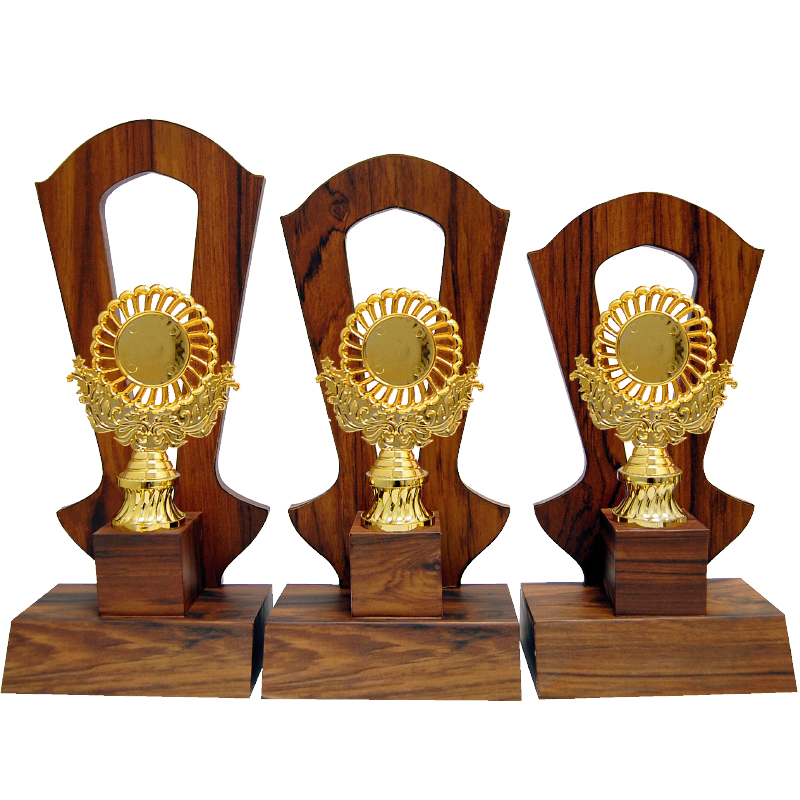 WOODEN PATTERN TROPHY -AT30776