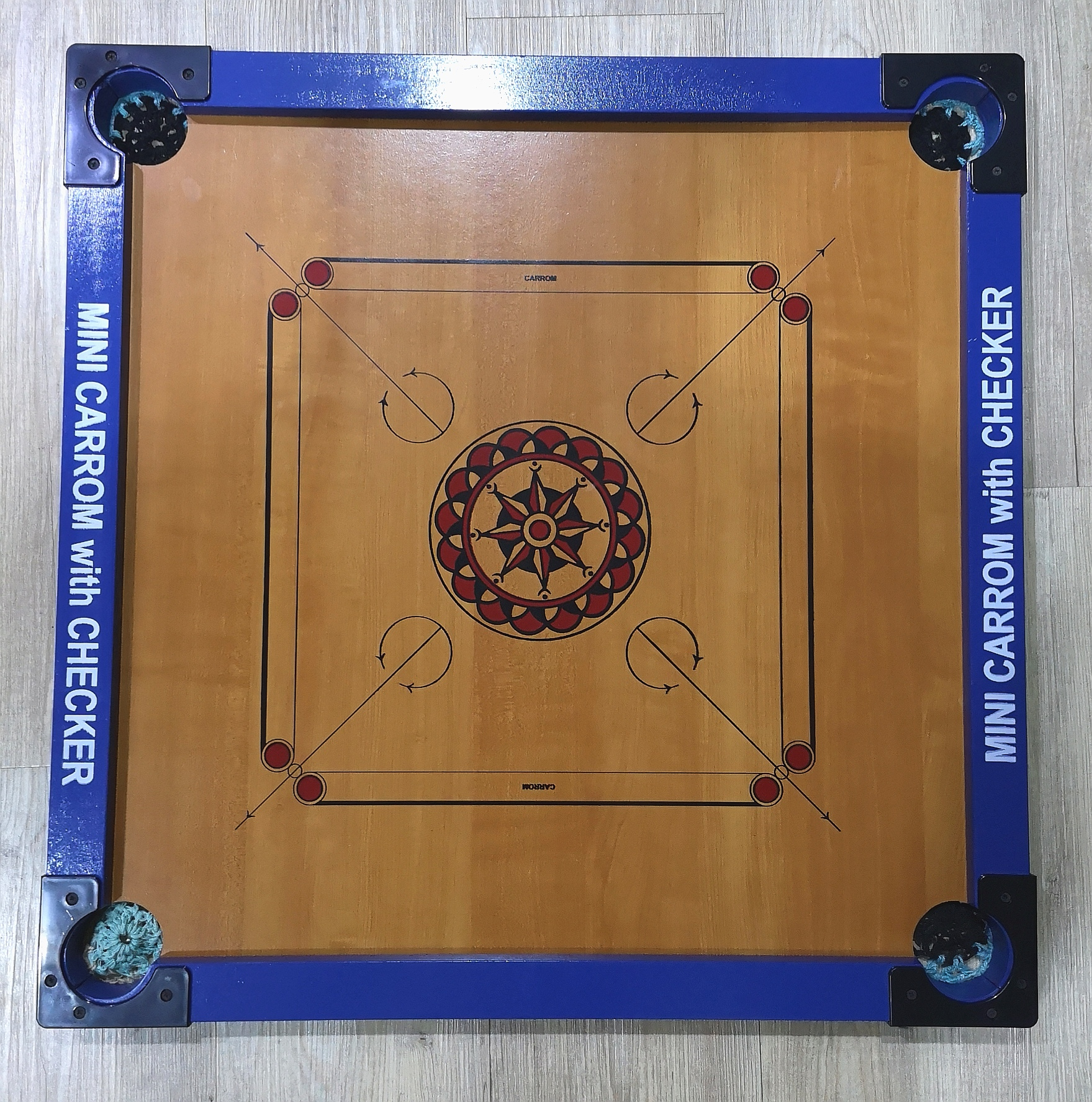 GC707 Mini Carrom with checker(2 Faces in 1 Boxes) (Size: 65.0 x 65.0 cm)