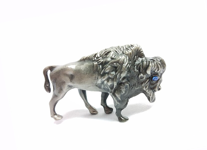 DKH031 Pewter Figurines - Wildebeest with Stones Eyes (Random Color Stones)