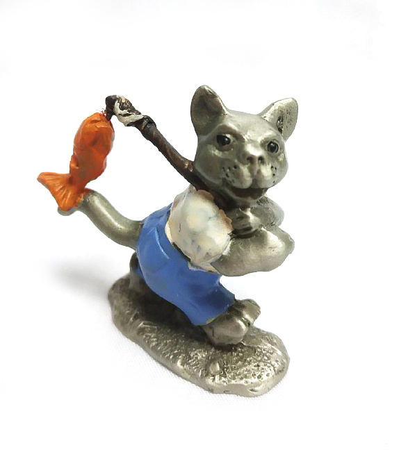 DKH073DC Pewter Figurines - Cat with Décor
