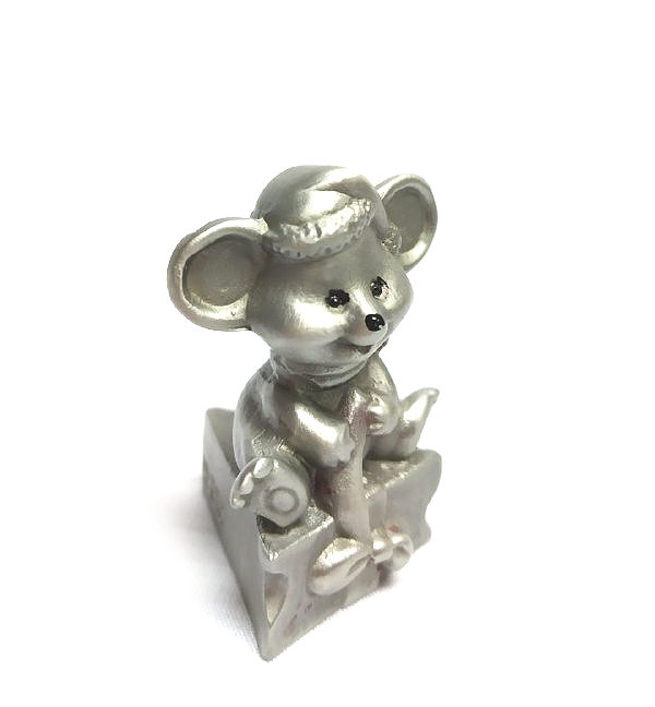 DKH077 Pewter Figurines - Mouse on Cheese