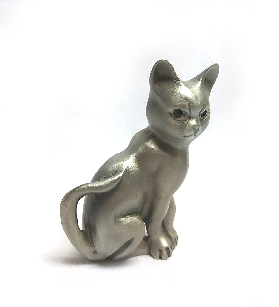 DKH078 Pewter Figurines - Cat with Green Stones Eyes