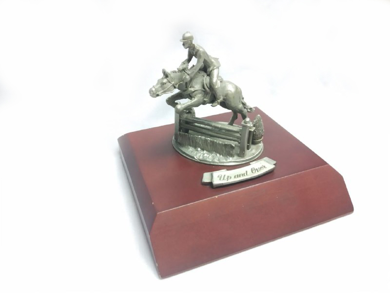 DKH081W Pewter Figurines - Horse with Jockey + Woodbase