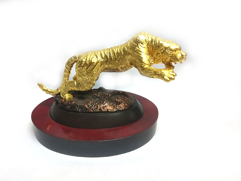 DKH089GPW Gold Plated Pewter Figurines - Tiger with Woodbase