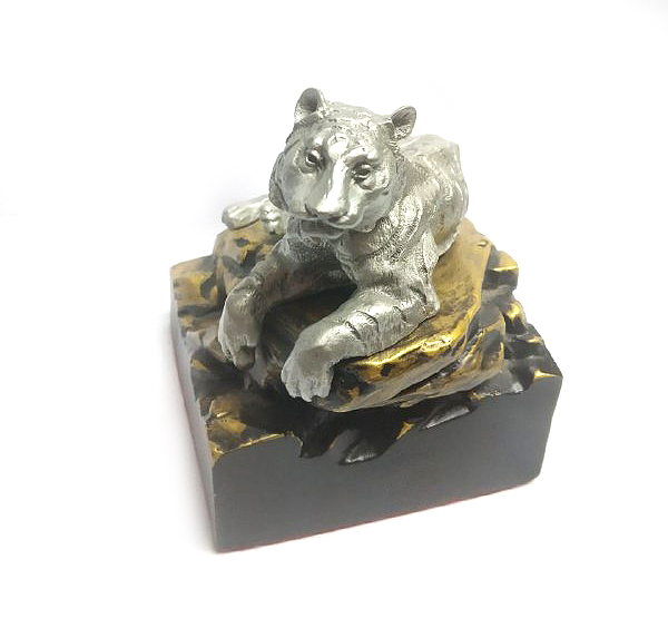 DKH091DC Pewter Figurines - Tiger with Decor and Fibre Base