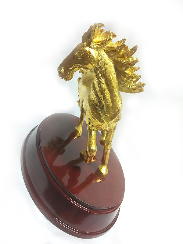 DKH095GPW Gold Plated Pewter Figurines - Horse with WoodBase