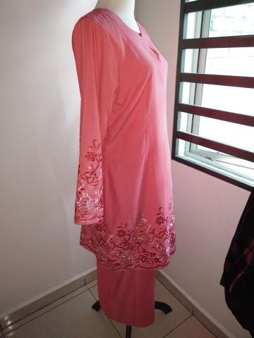Photo 2 of kurung Moden TP-370001 Baju kurung moden mengikut fesyen terkini. Boleh digayakn dengan berbagai2 majlis, contohnye kenduri kawen,majlis berendoi dan berbagai2 majlis.. Ianya sesuai juga dipakai dipejabat.