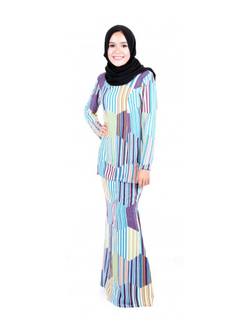 Photo 2 of Kurung moden KMD1 Baju kurung moden dewasa kosong plain ✔kain duyung ✔duyung potong 6 ✔ susun belakang ✔ lipat batik ✔ costemer suggest