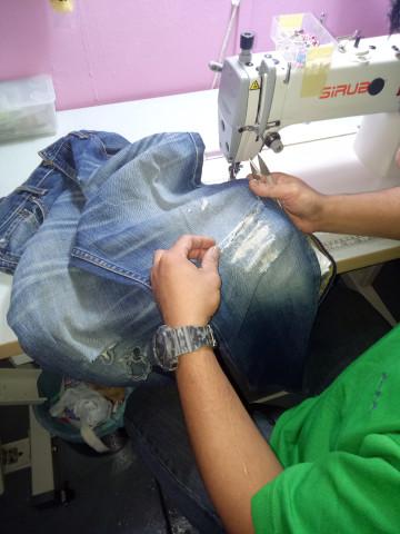 Photo 2 of Aliyah umairah collection TP-383001 Baju kurung pahang material cotton silk  Kain lipat batik Berukuran size M