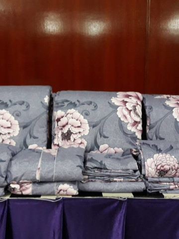 Photo 2 of Cadar saiz queen TP-501003 Cadar bergetah atas dan bawah, 4 sarung bantal dan 1 sarung bantal peluk dan sehelai comforter