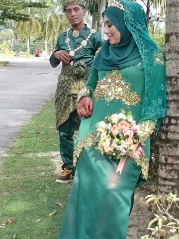 TP-518001 - Baju untk nikah, Kurung Moden berhias lace n jahit manik..