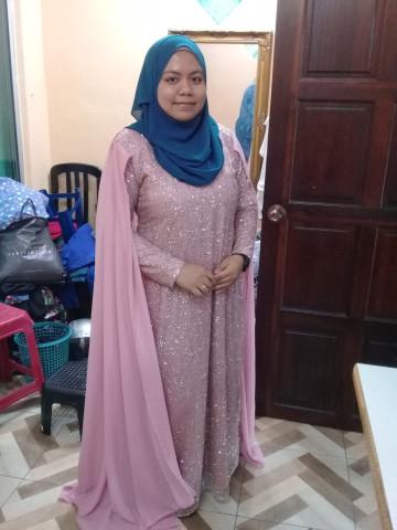 Photo 1 of Pertunangan TP-518002 Jubah /dress dgan linning berkilat dan ber well belakang...anggun menawan bakal pengantin ...