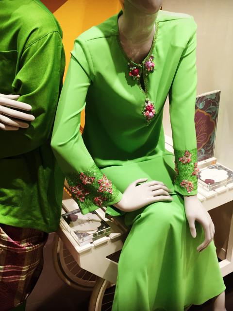 Fesyen dan manik Aj00002