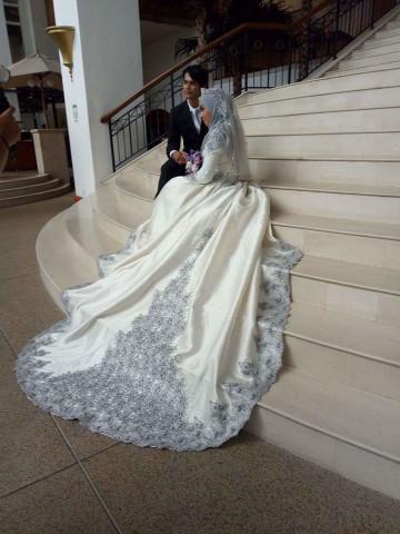 Photo 3 of nurfaisha couture bridal TP-548001 Dress pengantin yang dipenuhi dengan lace dan manik jahitan tangan dan manik tampal