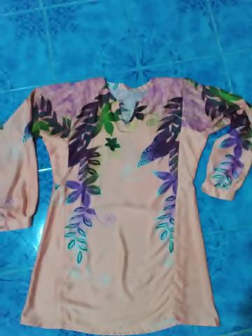 Photo 2 of baju kurung pesak gantung / pahang TP-5780020 baju kurung pesak gantung wanita dewasa -  corak berkaki kain potongan duyung kaf di bahagian hujung lengan