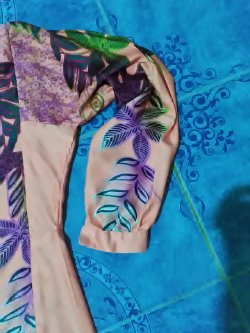 Photo 3 of baju kurung pesak gantung / pahang TP-5780020 baju kurung pesak gantung wanita dewasa -  corak berkaki kain potongan duyung kaf di bahagian hujung lengan