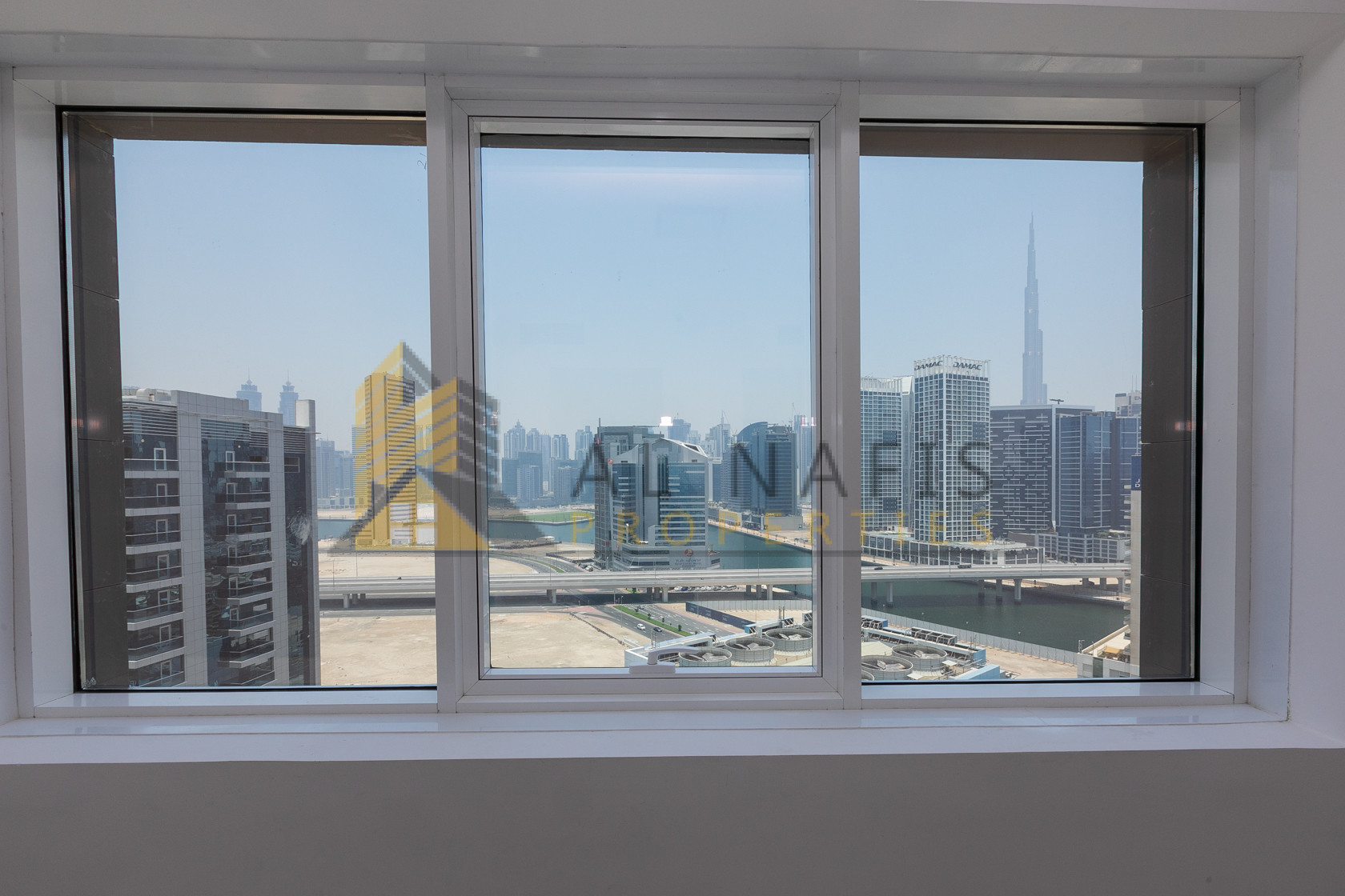 Canal and Burj View 1 Bedroom Apt for rent,