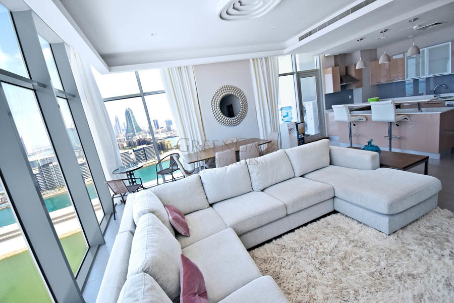 Luxury 2 Bed Apartment with Picture Perfect Views