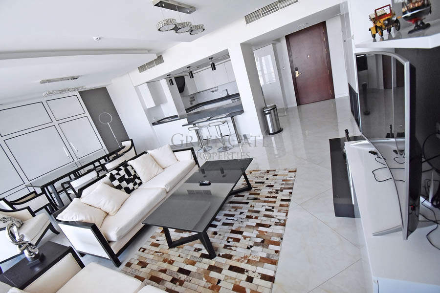 Stunning One Bedroom Luxury Apartment with Balcony