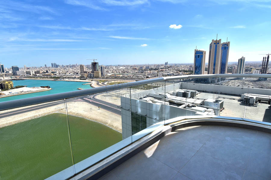 Stunning 1br Luxury Apt with Balcony and Sea Views