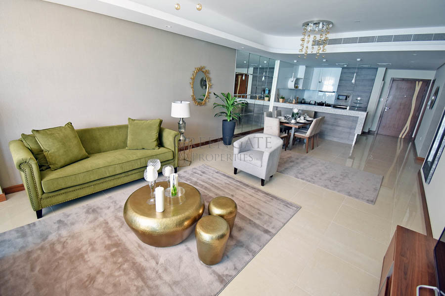 Luxury 2 Bed Apartment with Balcony and Sea Views!