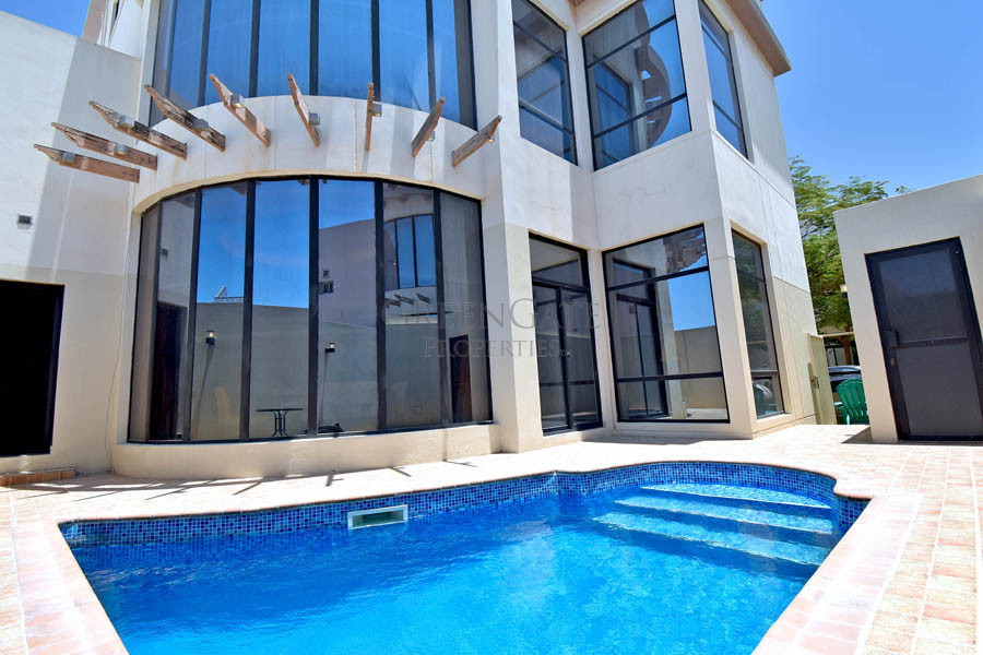 Beautifully Furnished 3 Bed Modern Villa with Pool
