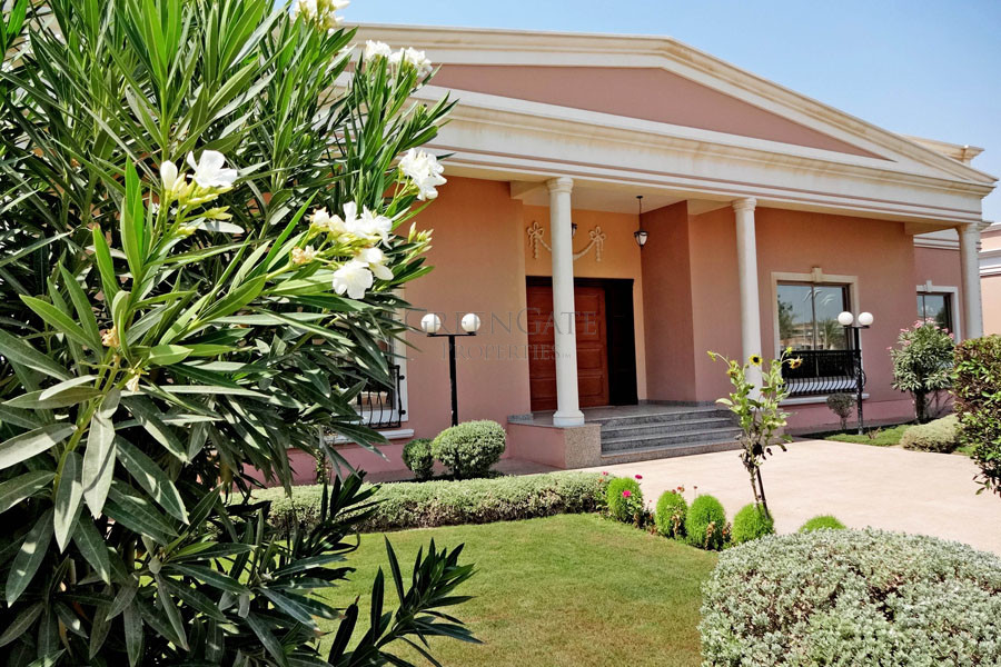Colonial Style Four Bedroom Family Villa