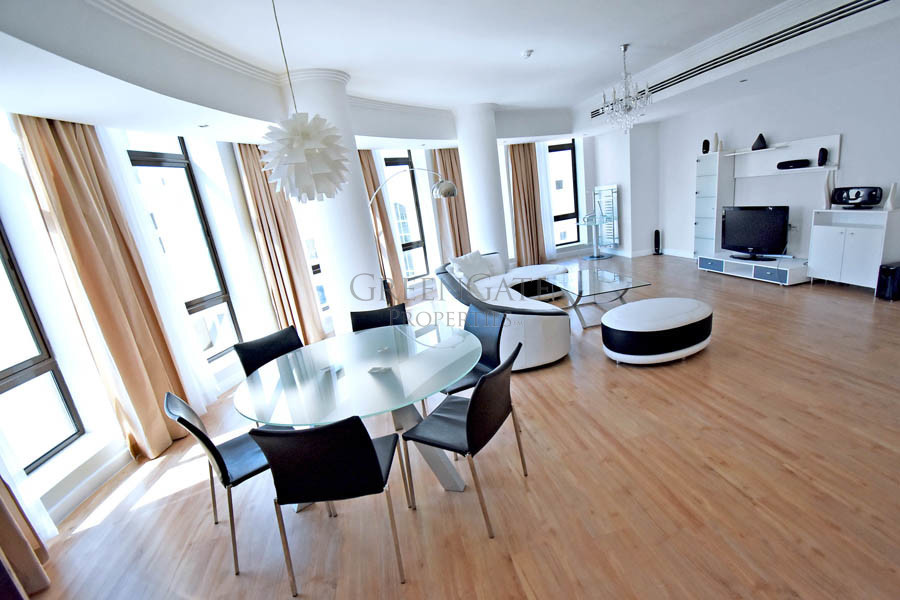 Stunning 2br Apt in Highly Sought-After Building
