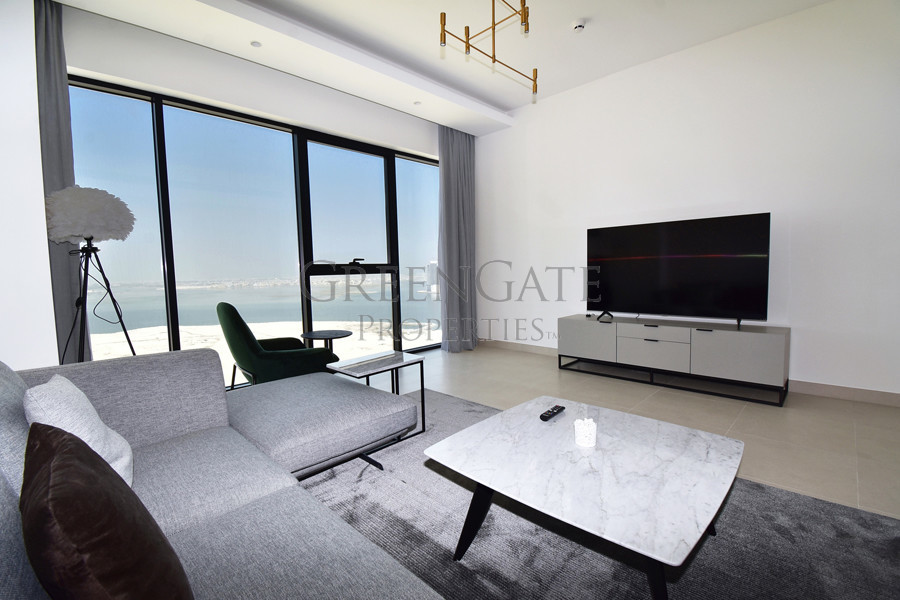 Brand New 1 Bed Apt with Sea Views from Every Room