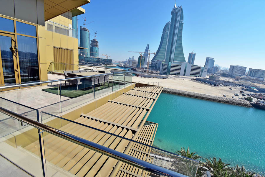 3 Bed Apt with the Most Amazing Private Terrace