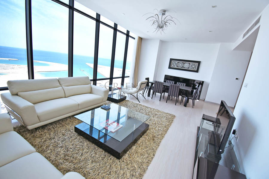 Luxury Two Bedroom Apartment with Iconic Sea Views