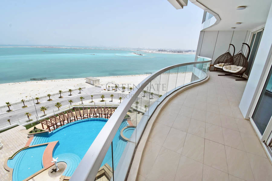 Luxury 2br Apt with Sea Views and Super Facilities