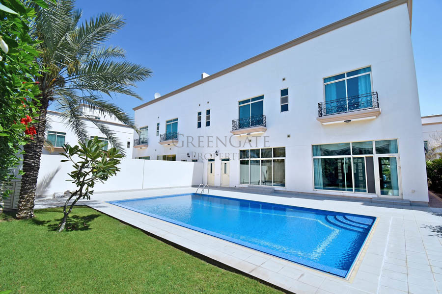 Stylish 5 Bed Compound Villa with Pool in Jannusan