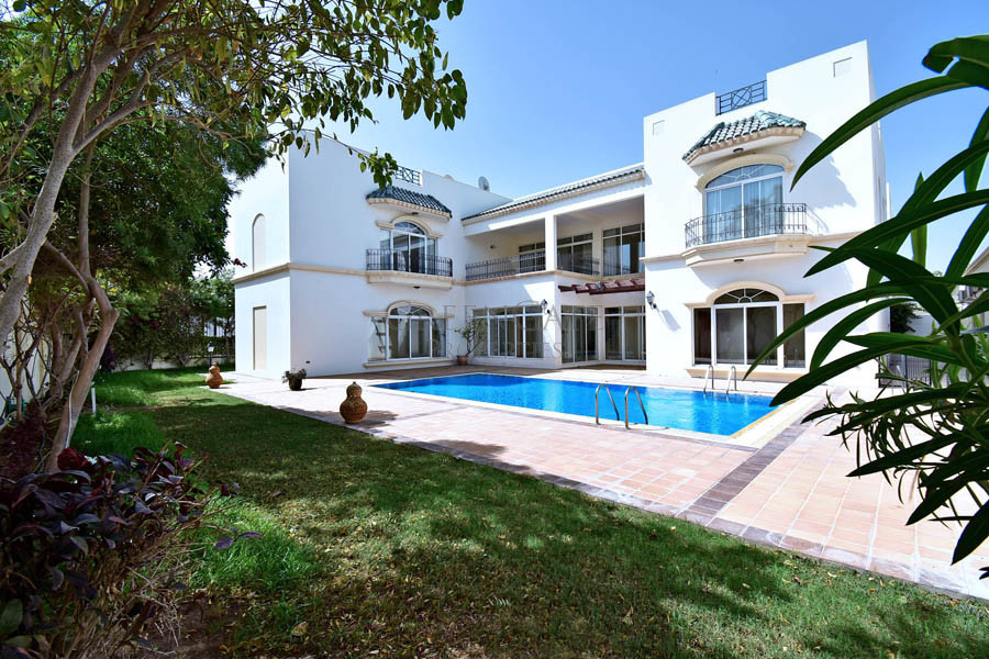 Stunning 5 Bedroom Luxury Villa with Chilled Pool
