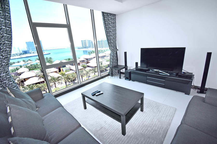 Luxury Two Bedroom Apartment with Impressive Views