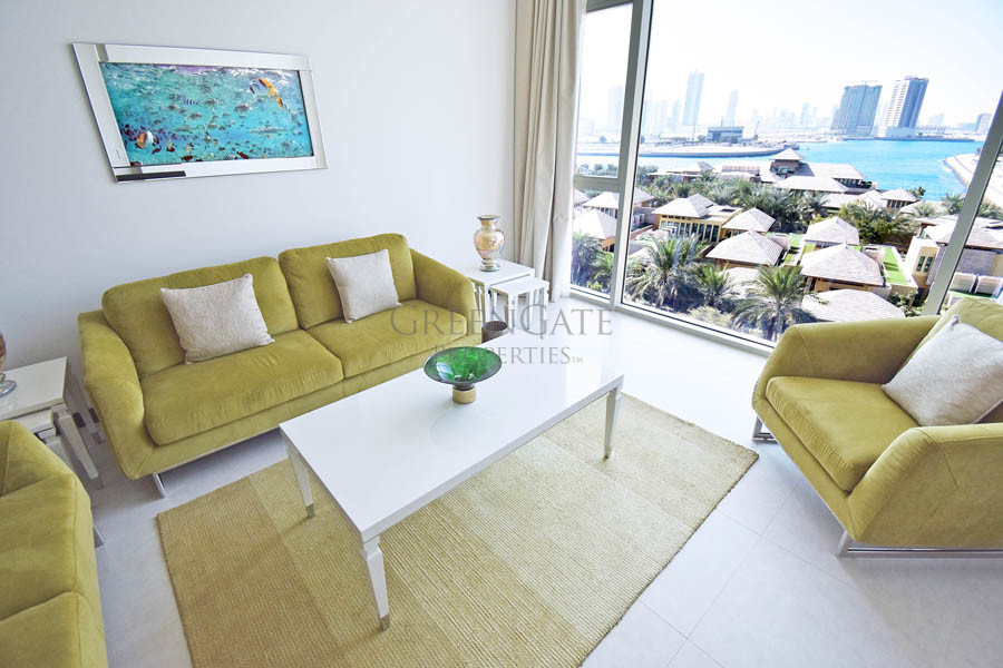 Spacious 2 Bed Apartment with Impressive Views