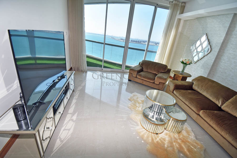 Beautiful Apartment with Open Sea Views!