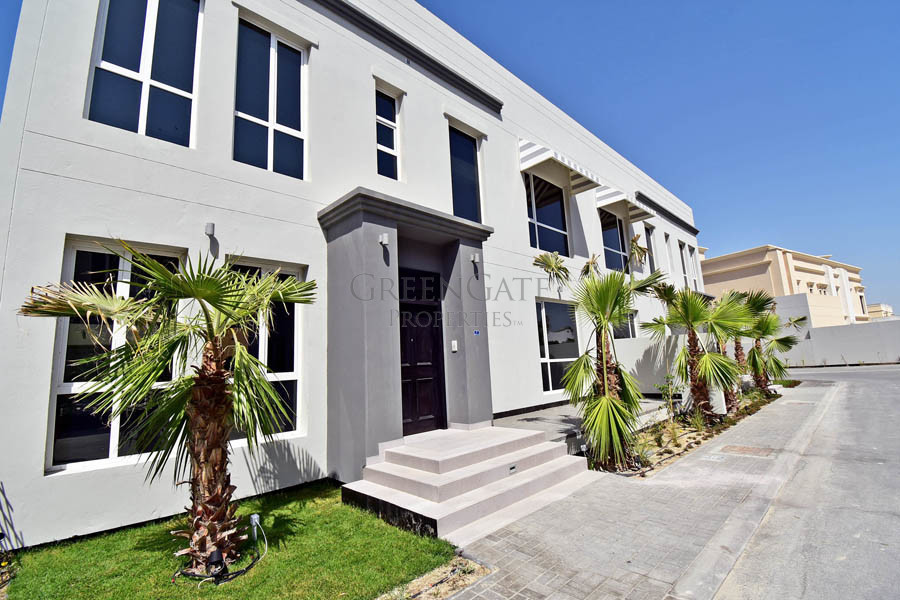 Immaculate 4 Bed Townhouse near the British School
