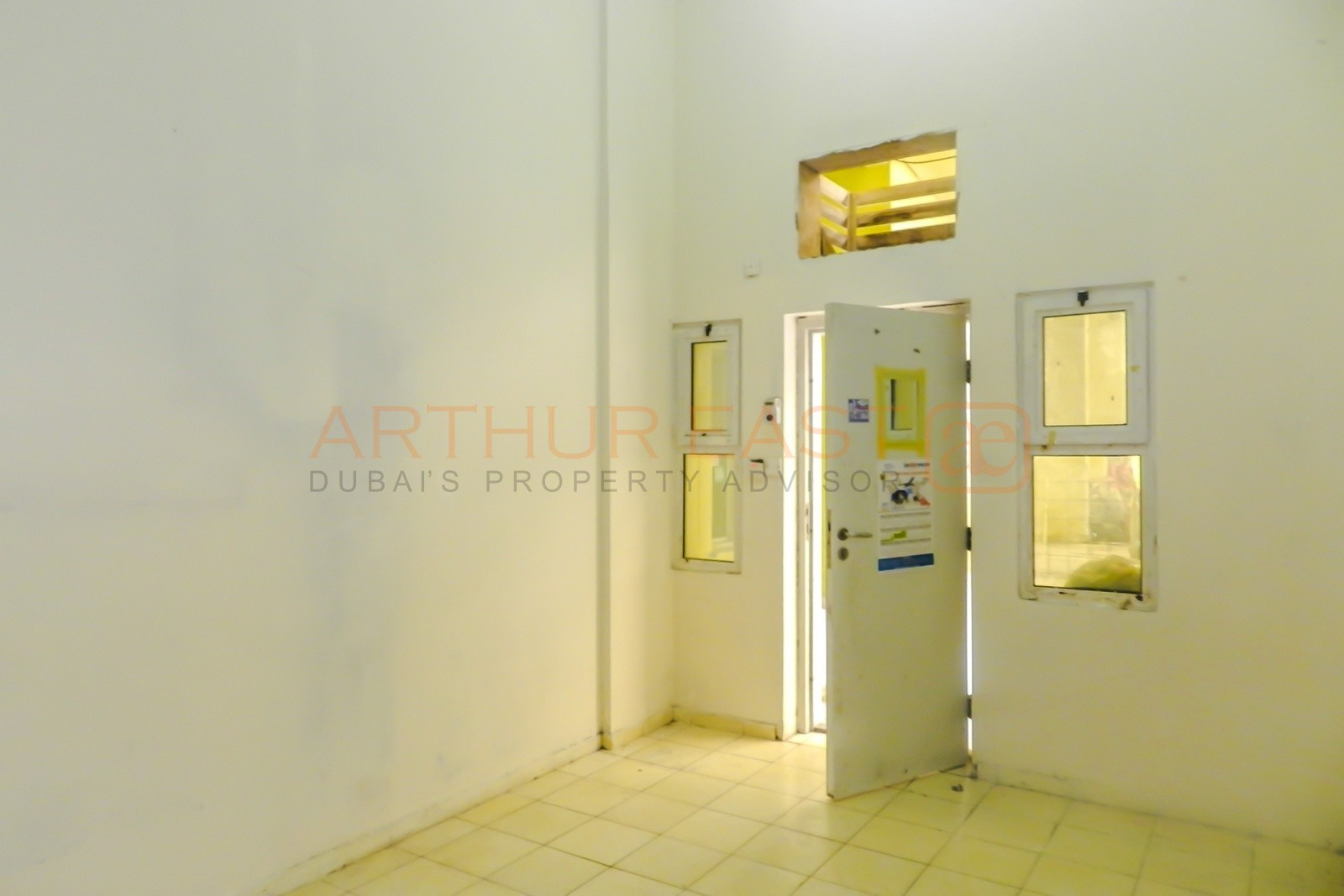 aed-3600month-al-quoz-labor-rooms-6-person-capacity