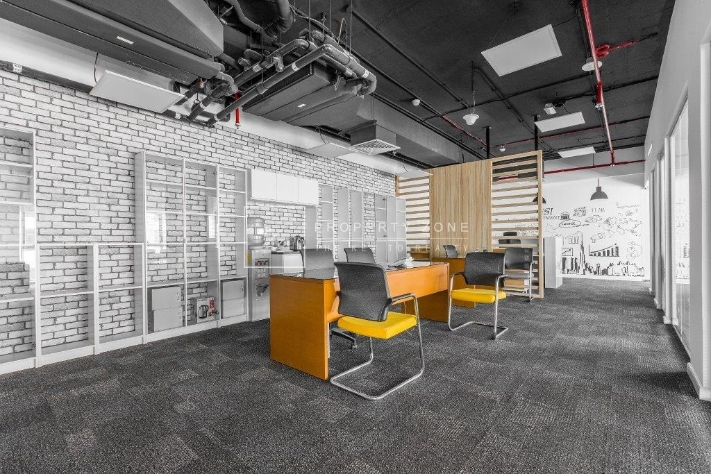 Fully Furnished Office I Vacant I DED License