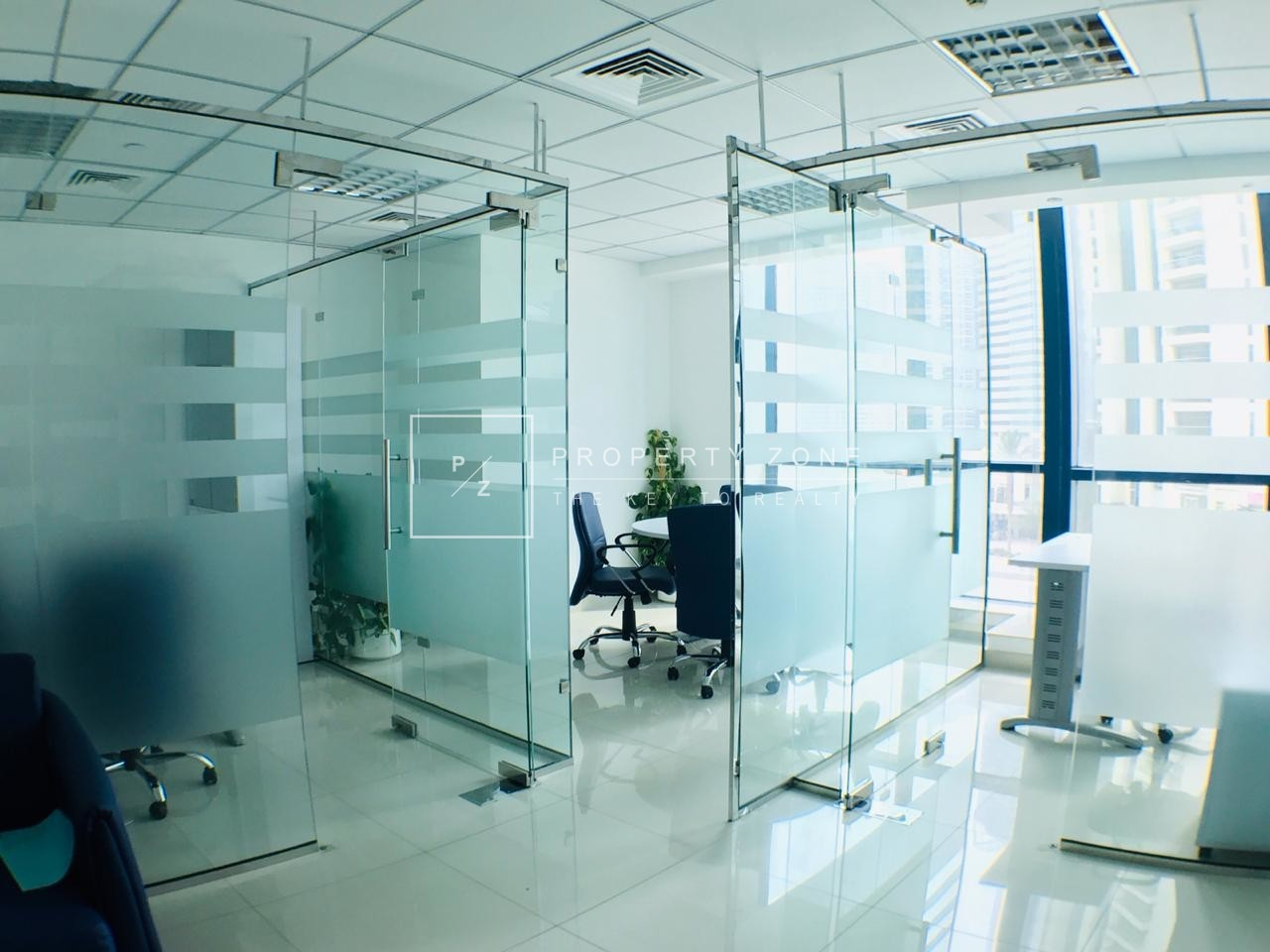 Lake View, Fitted Office with Glass Partition