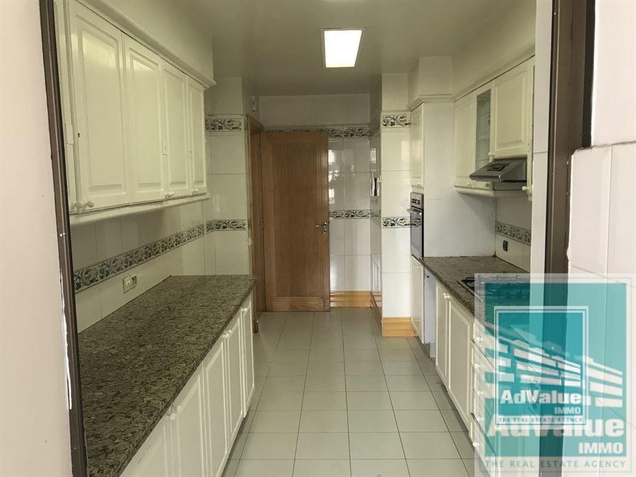 DL.572 Très bel appartement a louer