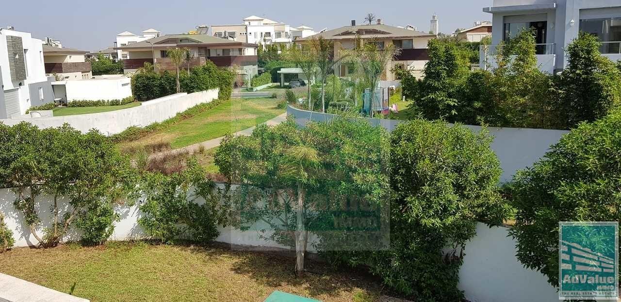 DL.384 : Belle villa à Louer à P.G.C. :